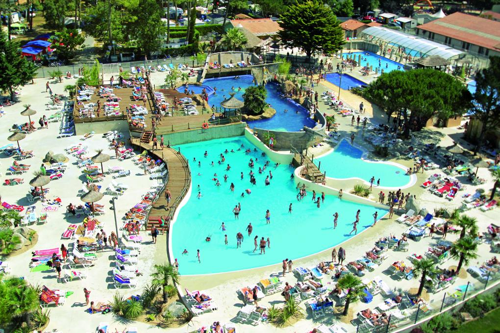 Camping las landas con piscinas y toboganes r sasol for Camping en las landas con piscina cubierta