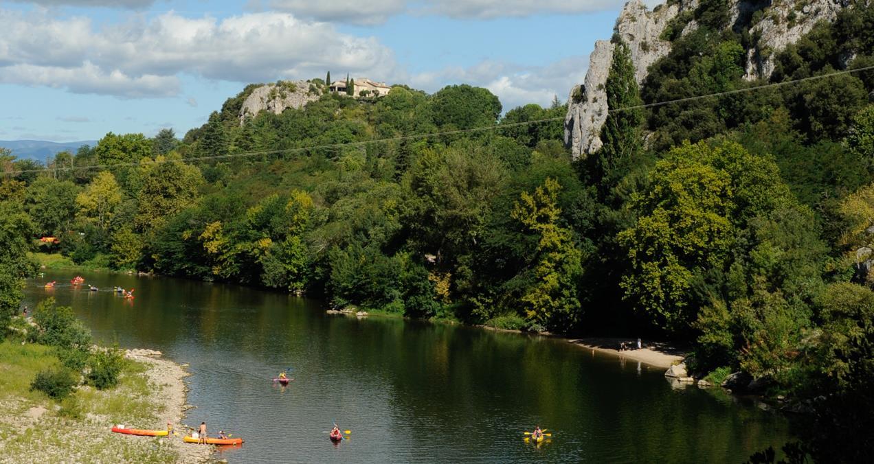 Camping vallon pont d arc yelloh village soleil vivarais - Camping vallon pont d arc piscine ...