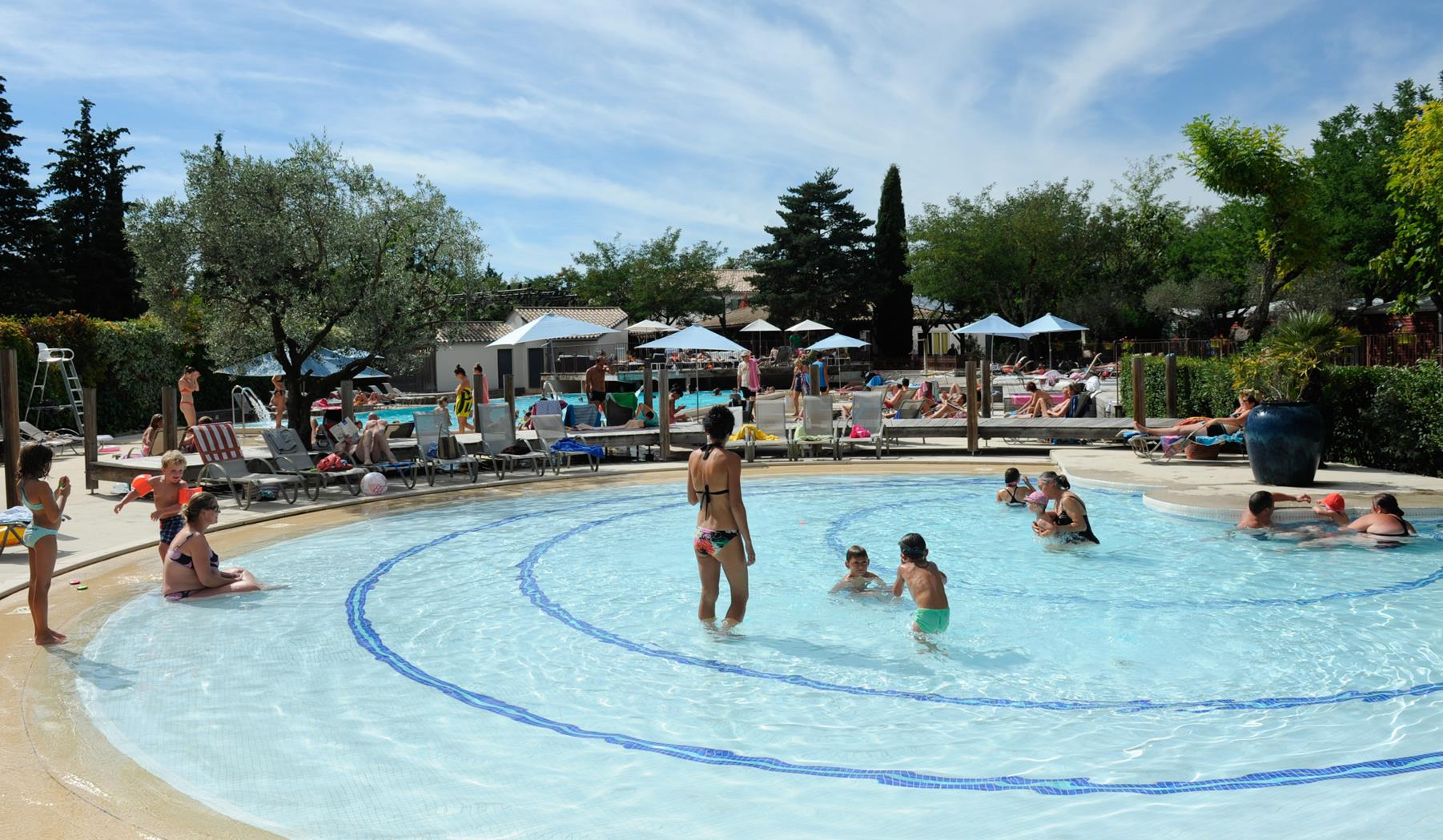 Camping club 5 toiles ard che yelloh village soleil for Club piscine soleil chicoutimi