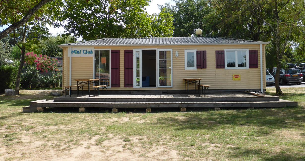Shows and aktivities all around at your camping club in Ardeche with junior club