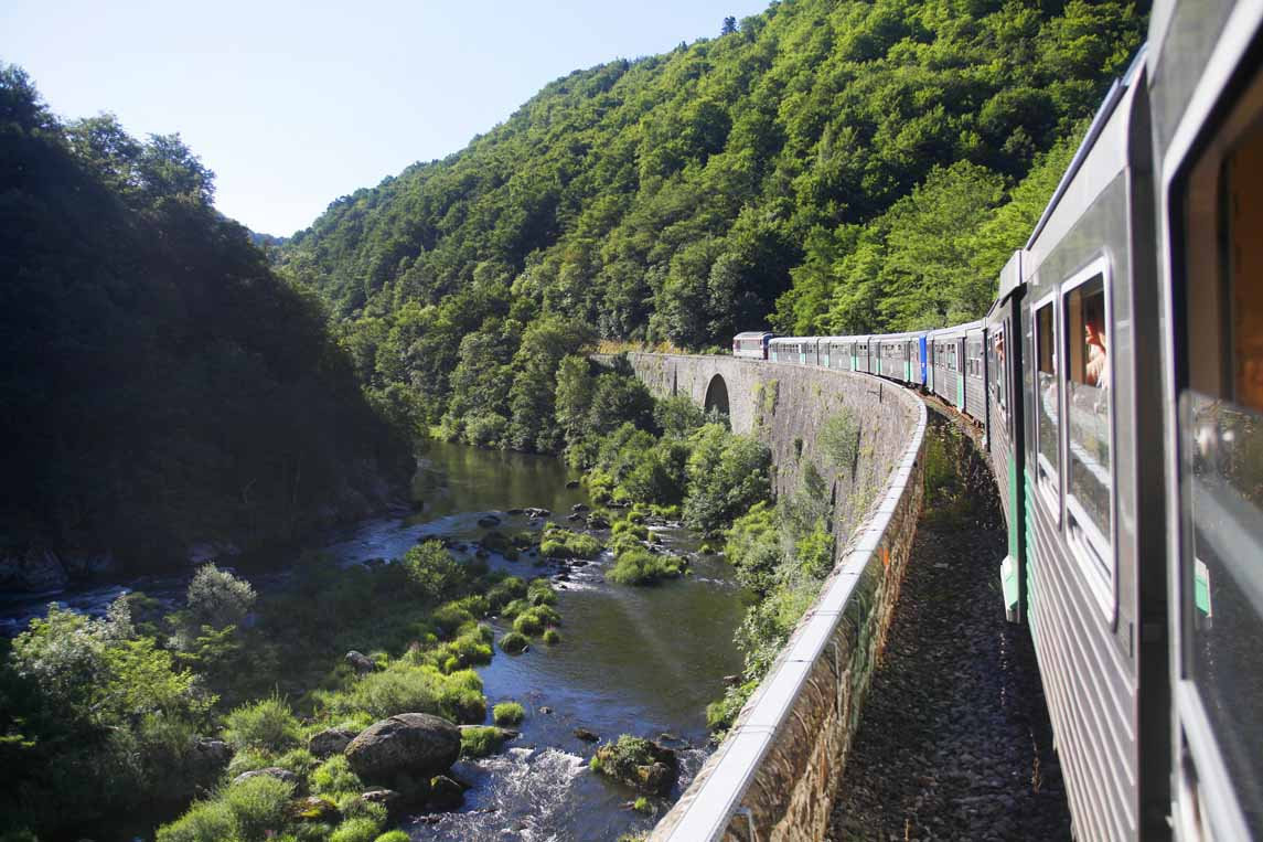 Les gorges de l'Allier en train