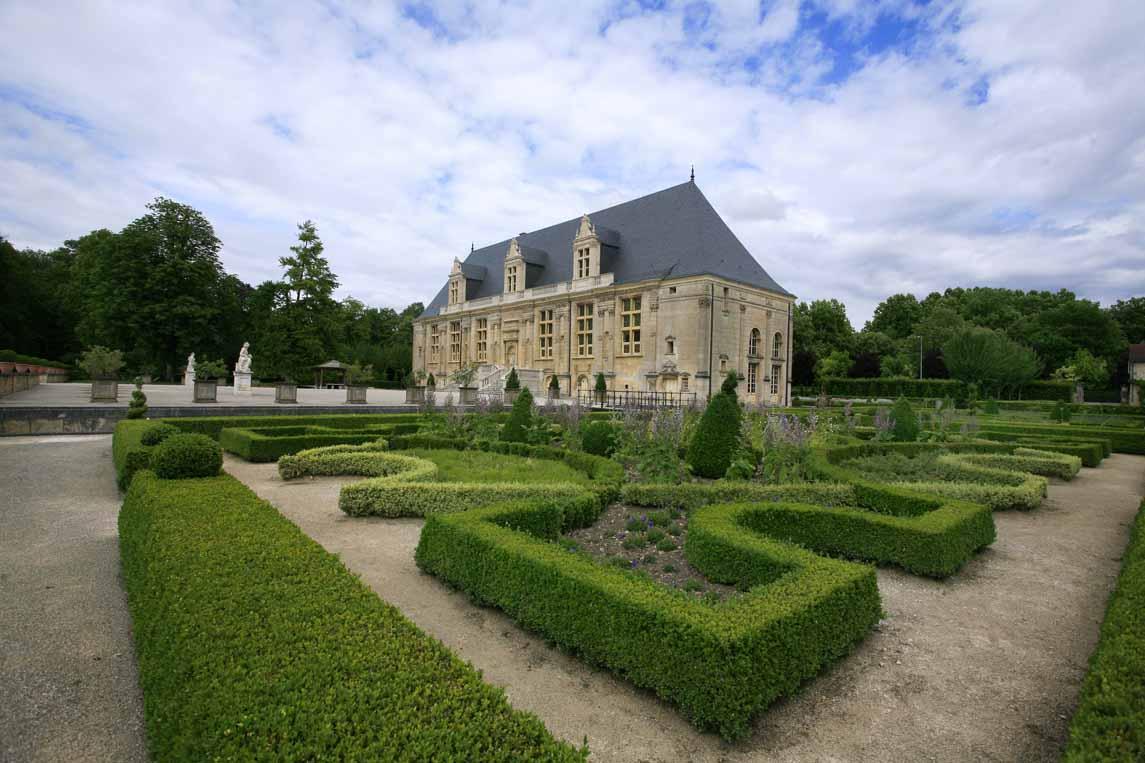 château Renaissance du Grand Jardin à Joinville