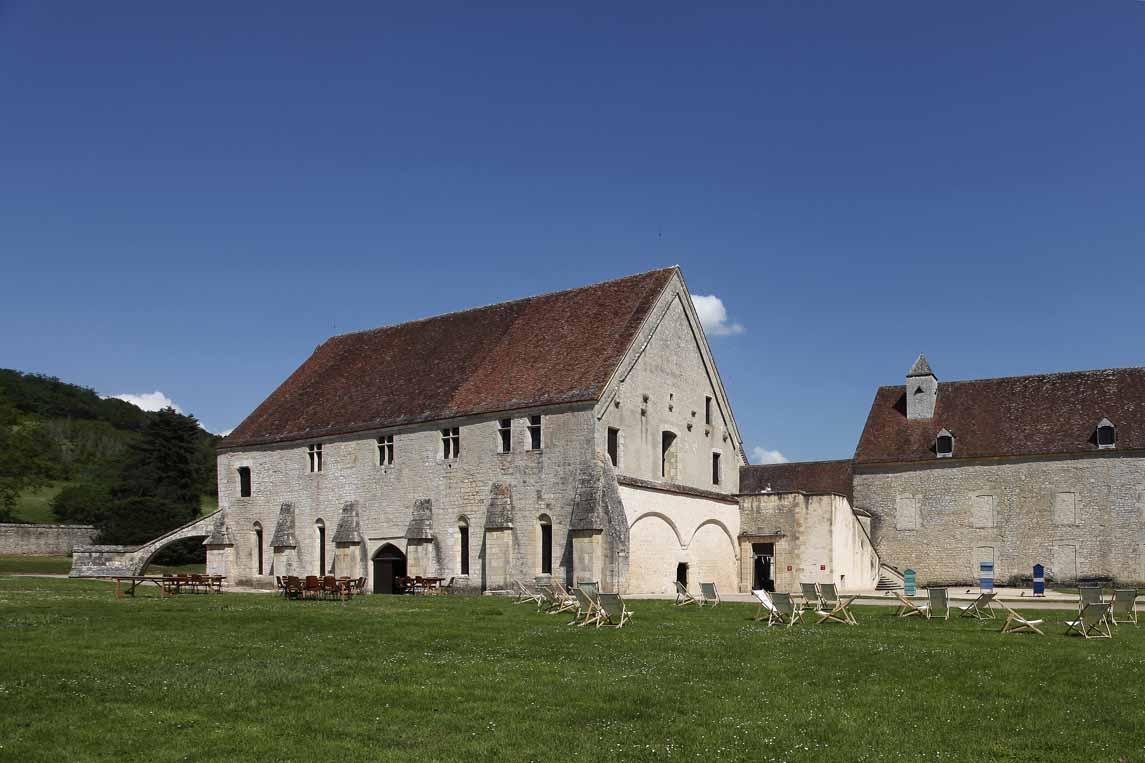 L'abbaye de Noirlac à Bruère-Allichamps dans le Cher