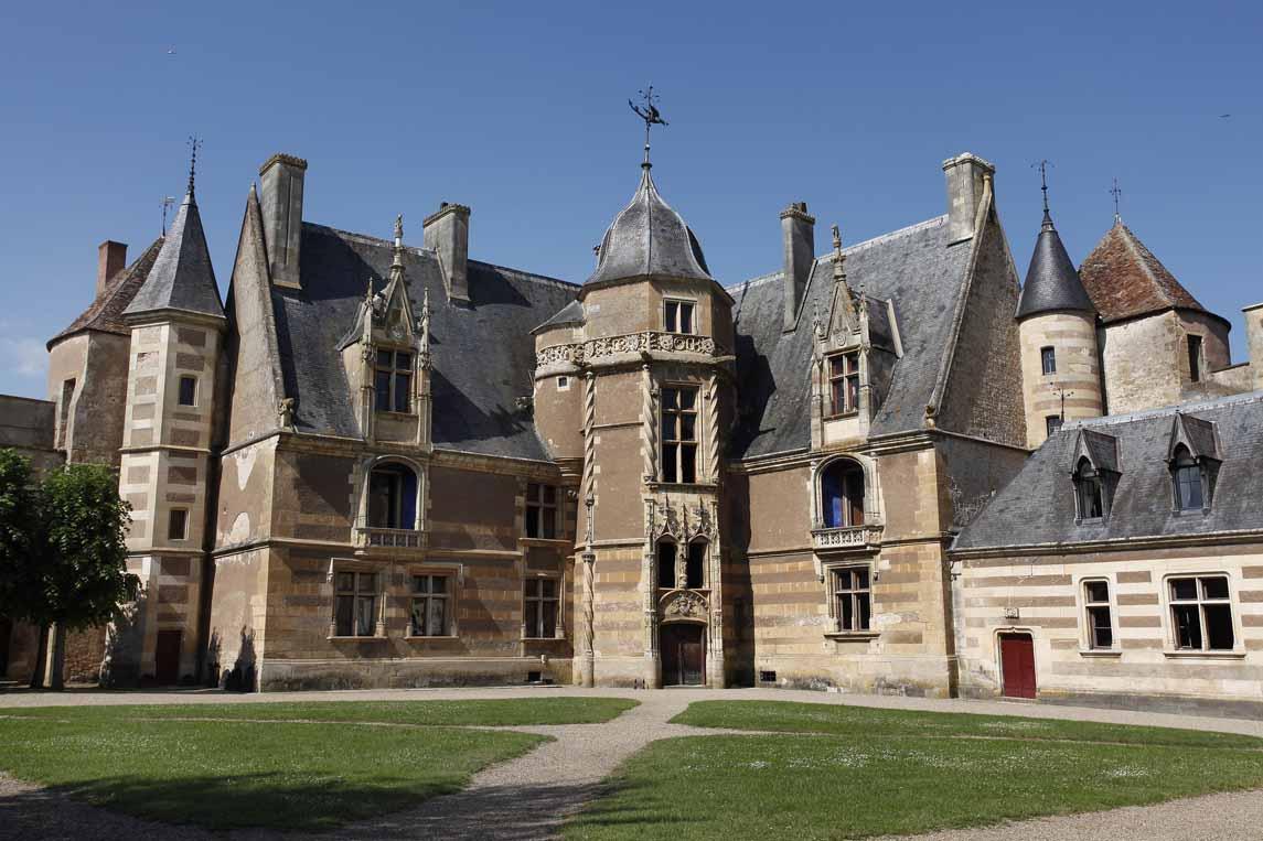 Le château d'Ainay-le-Vieil à Saint-Amand-Montrond dans le Cher