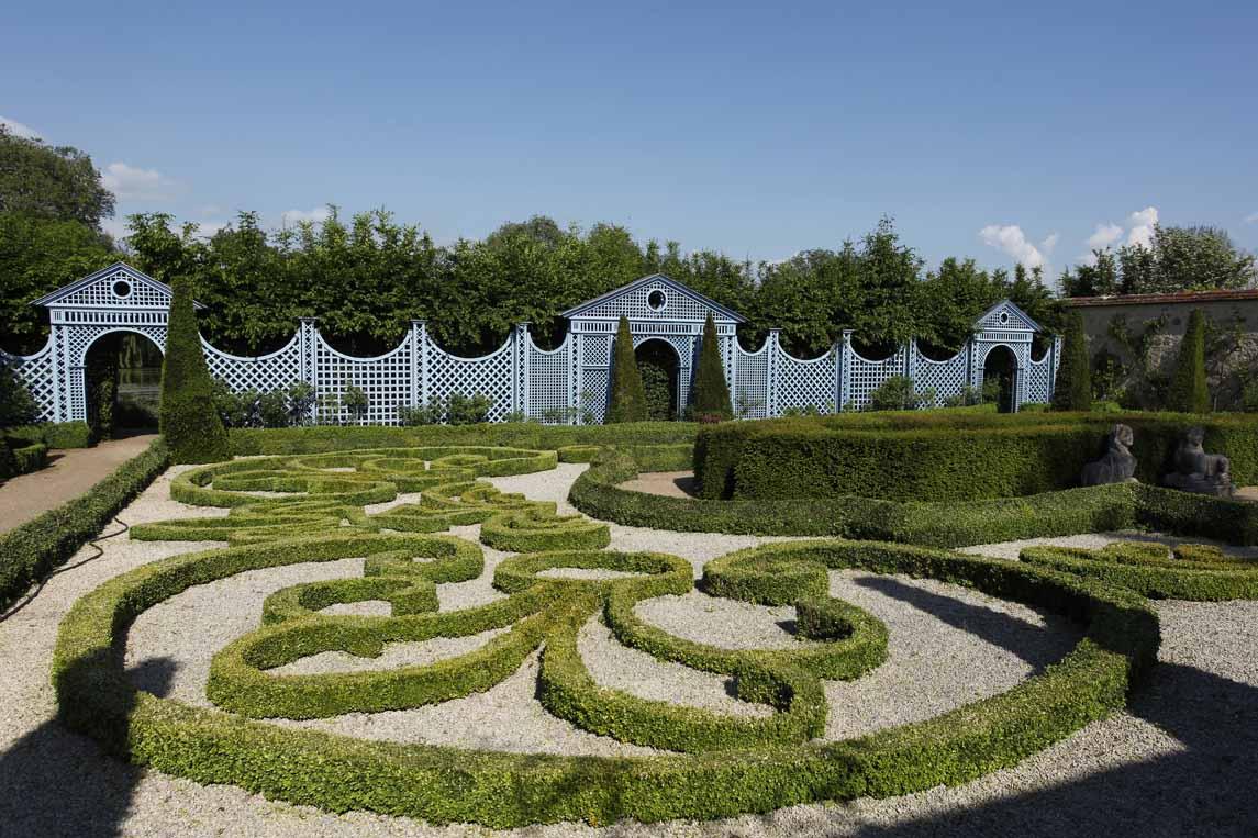 Jardin du château d'Ainay-le-Vieil à Saint-Amand-Montrond