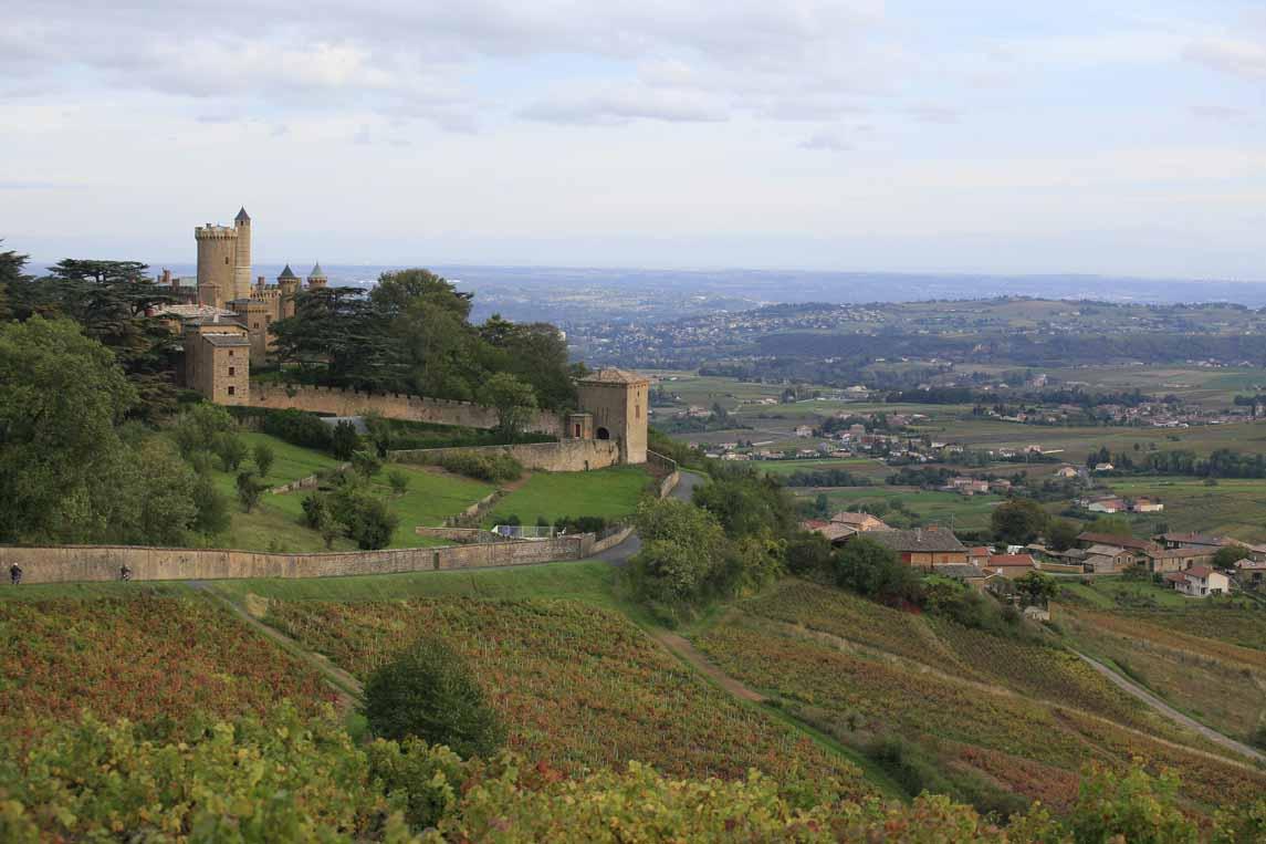 Le château de Montmelas à Montmelas-Saint-Sorlin dans le Beaujolais