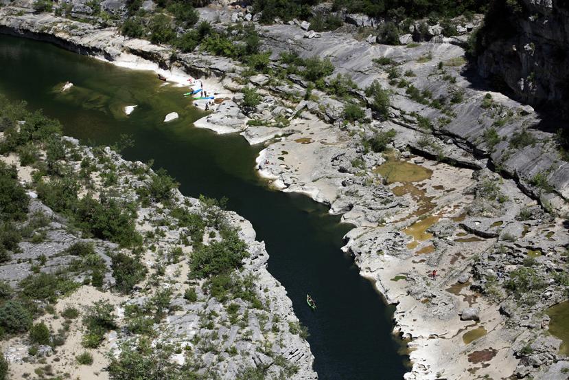 Baignade et canoë dans les gorges de l'Ardèche