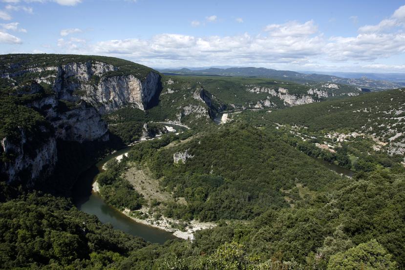 Les gorges de l'Ardèche, paysage spectaculaire