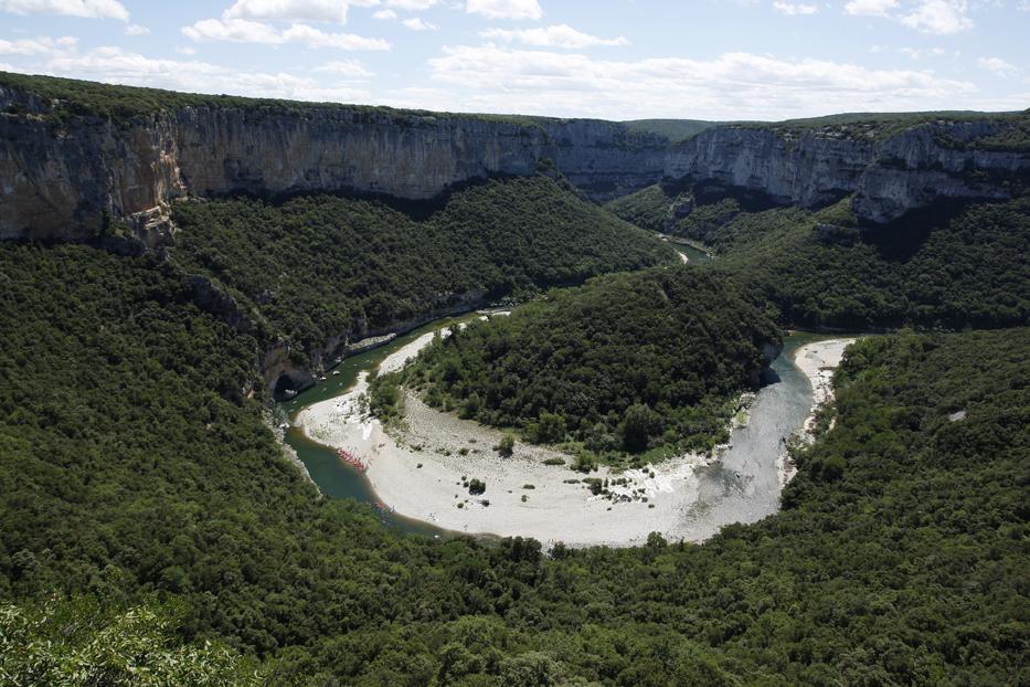 Les spectaculaires méandres de la rivière Ardèche