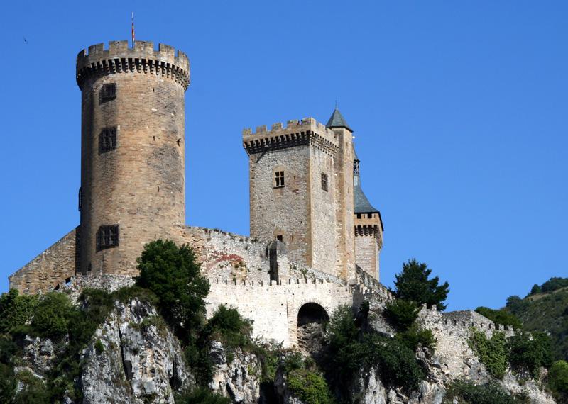Foix, préfecture de l'Ariège, et son château fort