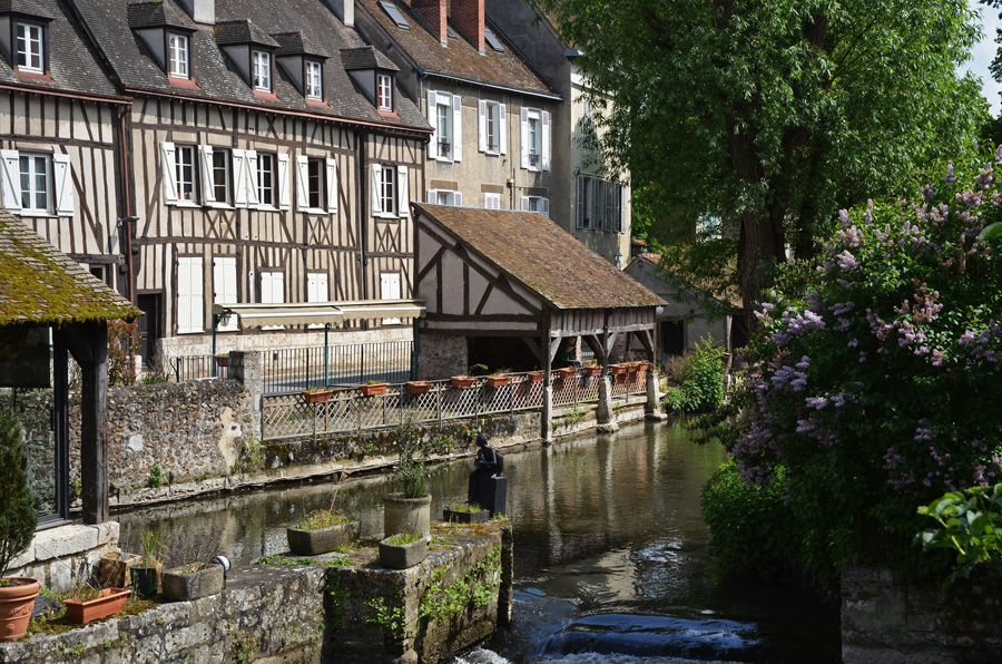 Maison à colombages au bord de l'Eure