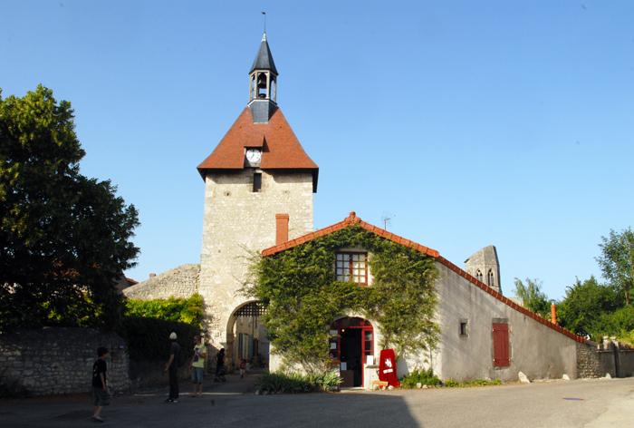 Le village de Charroux dans l'Allier
