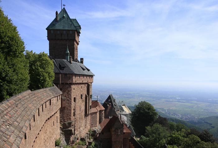 Le château alsacien du Haut-Koenigsbourg à Orschwiller