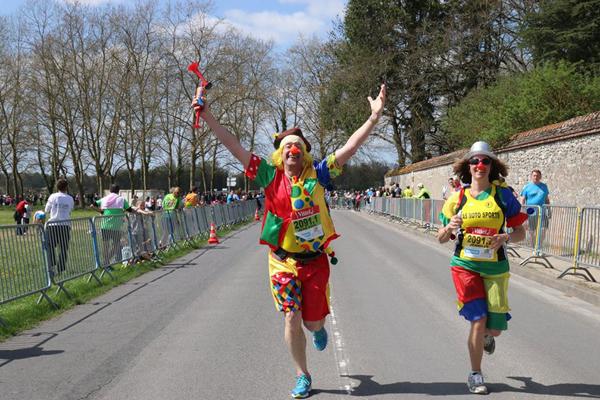 Le Marathon de Cheverny est un évènement aussi festif que sportif