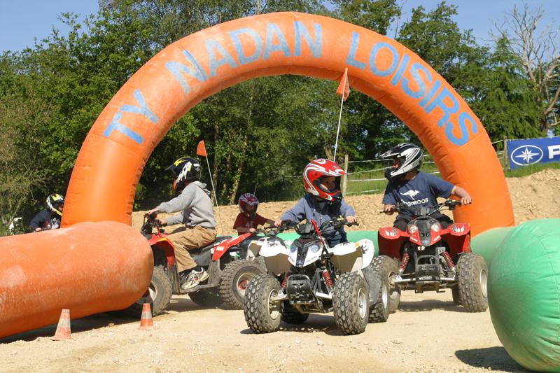 Les campings proposent de nombreuses activités sportives pour petits et grands