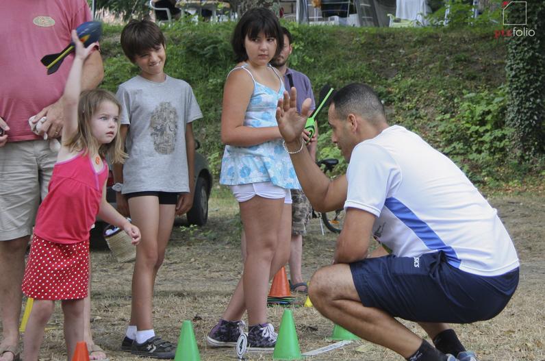 Cours d'athlétisme au camping Cévennes Provence d'Anduze