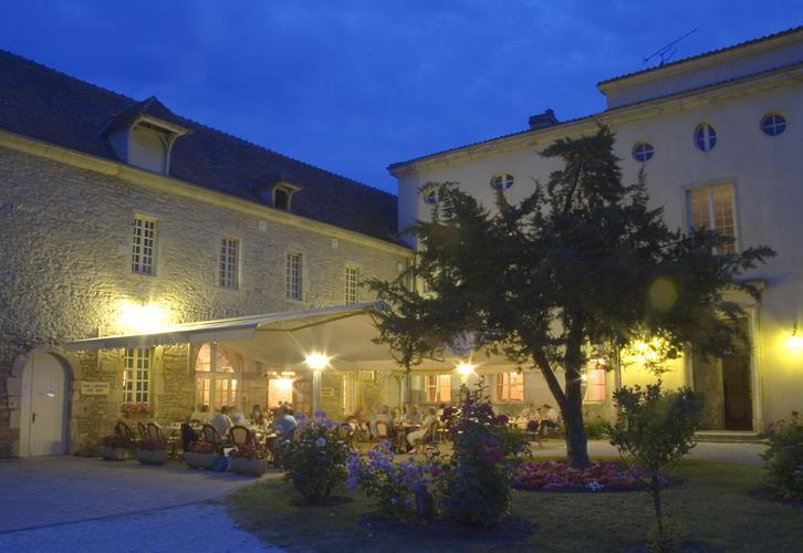 Le Domaine du Château de l'Épervière, camping 5 étoiles