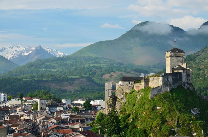 Lourdes et sa forteresse médiévale