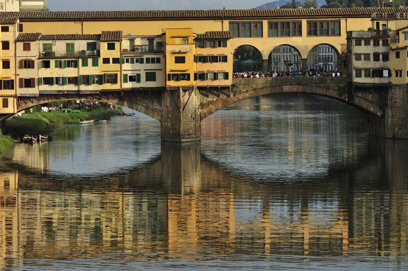 Le Ponte Vecchio au-dessus de l'Arno à Florence