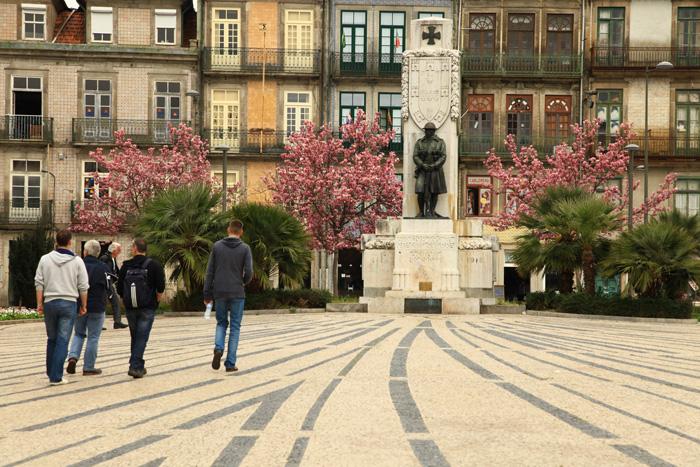 Le jardin de Carlos Alberto à Porto