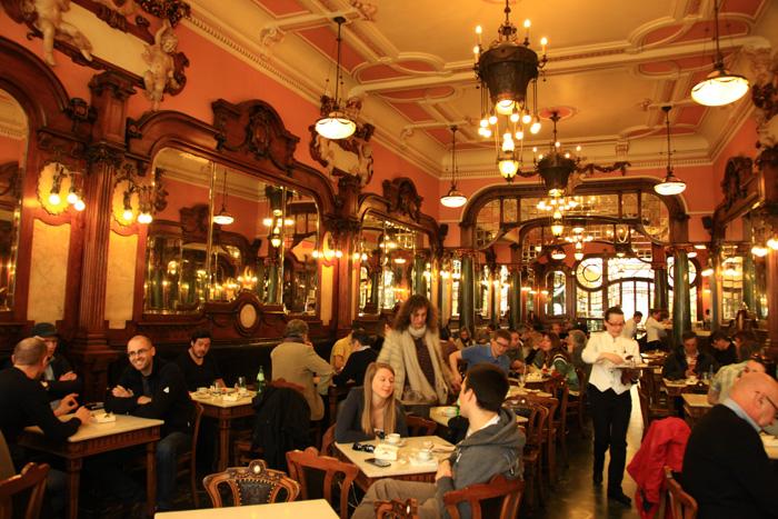 Le Majestic Café rue Santa Catarina à Porto