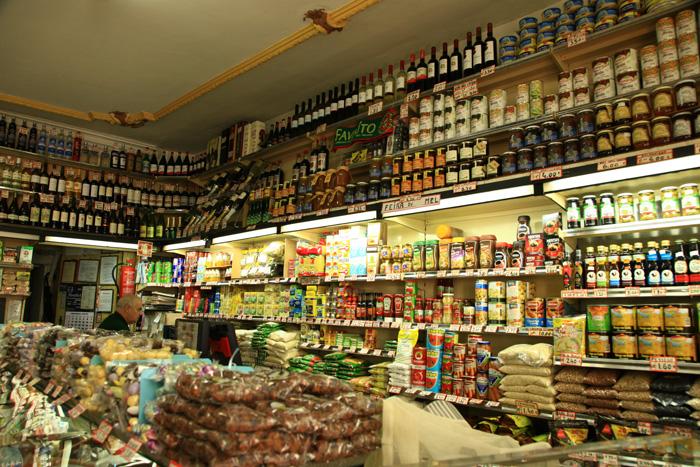 Épicerie traditionnelle du vieux Porto