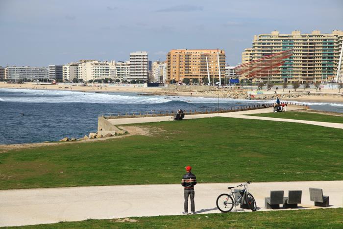 La plage de Matosinhos à Porto