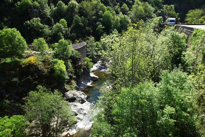 Le cours d'eau la Volane en Ardèche
