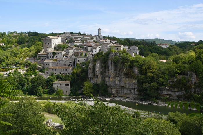 Balazuc, village de charme au bord de l'Ardèche