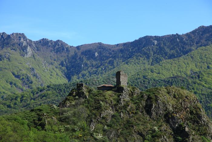 Le col de la Chavade culmine à 1226 mètres