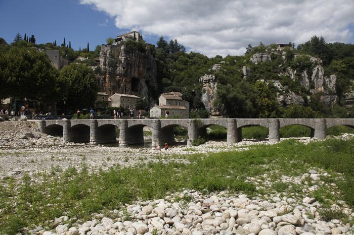 Le village de caractère de Labeaume en Ardèche