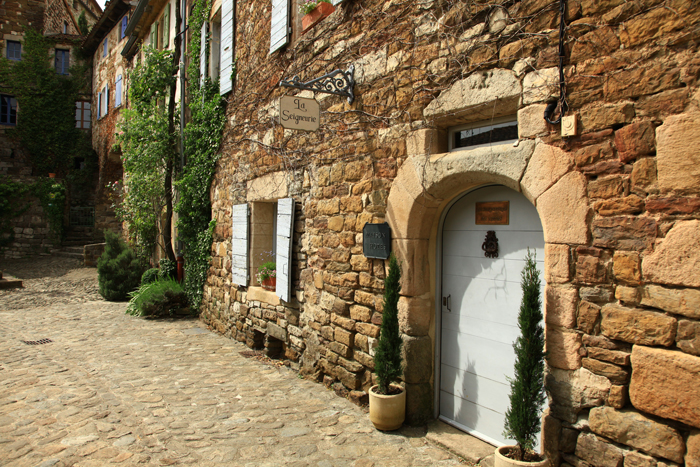 Le pittoresque village de Naves