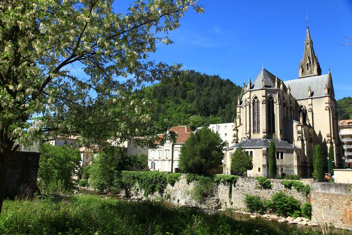 L'église de Vals-les-Bains et son quartier thermal Belle Époque