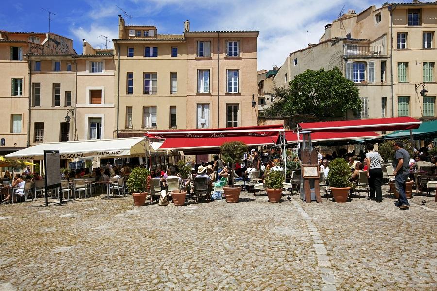 La place des Cardeurs à Aix-en-Provence