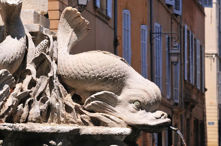 La belle fontaine des Quatre Dauphins à Aix-en-Provence