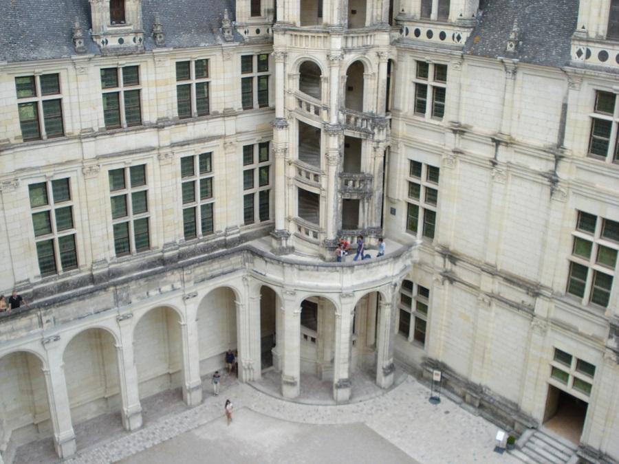 Dans la cour du Château de Chambord