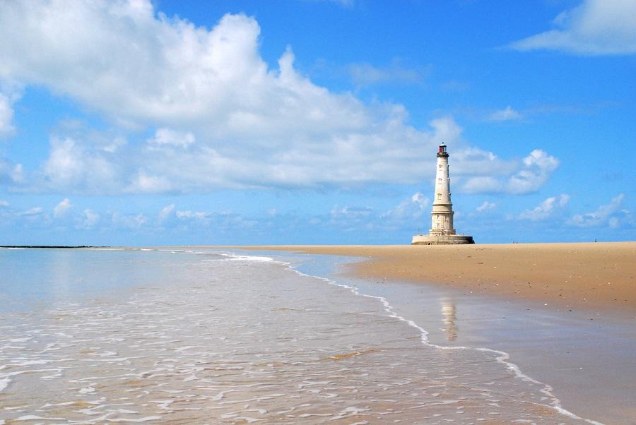 Le phare de Cordouan à l'embouchure de l'estuaire de la Gironde