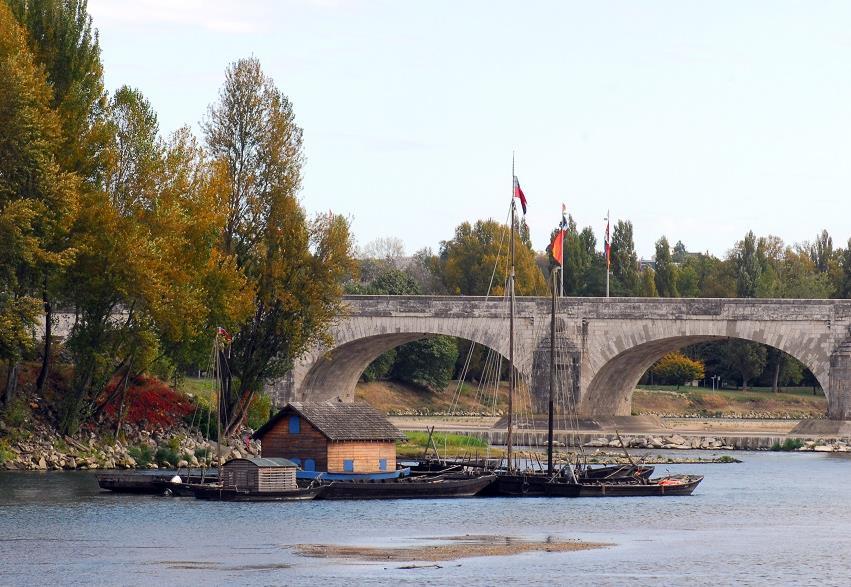 Gabares et vieux gréements sur la Loire