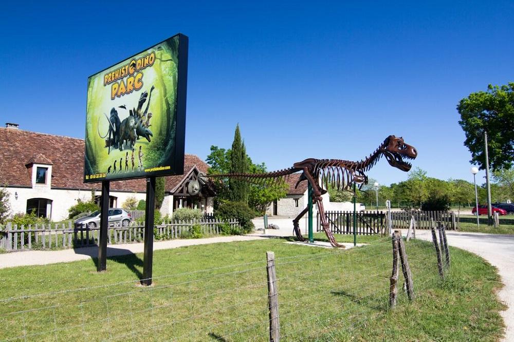 Le Préhisto Dino Parc dans le Quercy