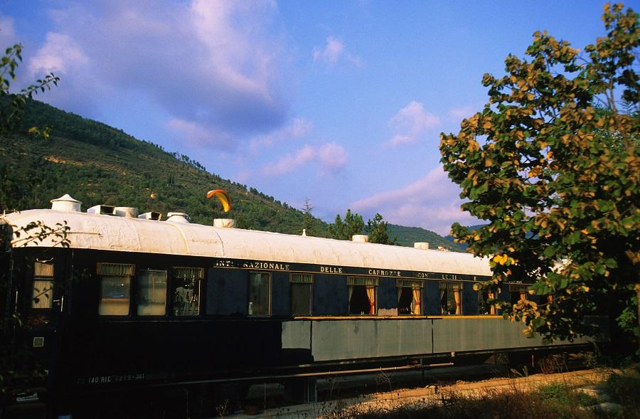 Wagon-restaurant de l'Orient-Express à la gare de Sospel