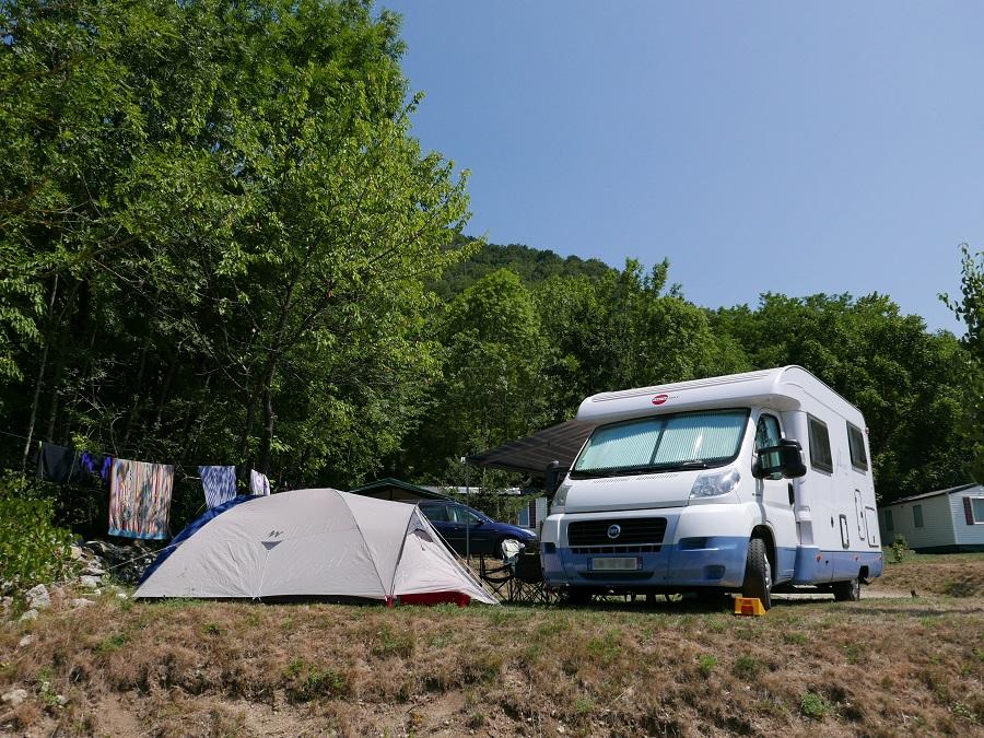 Petit terrain de camping nature et familial