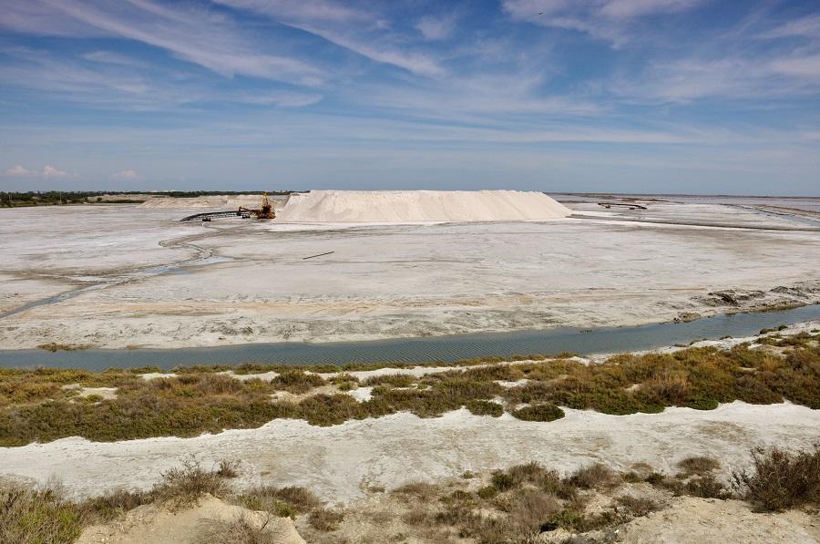 Les dunes de sel de Salin-de-Giraud