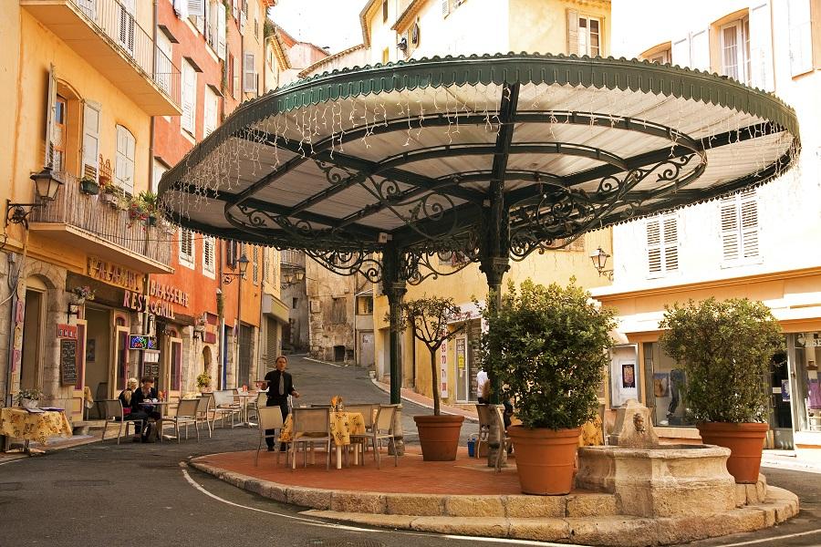 La place de la Poissonnerie à Grasse