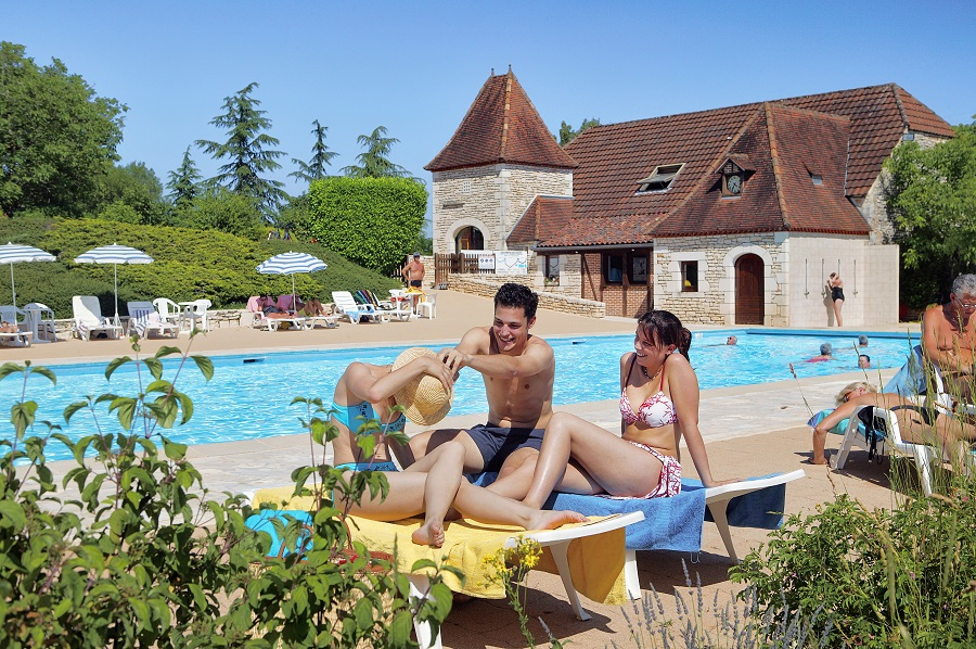 Site exceptionnel avec château des campings Les Castels