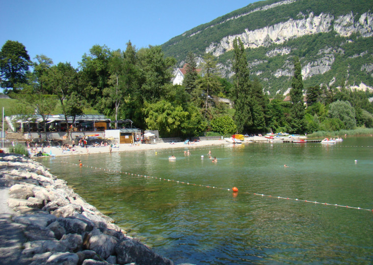 Tous nos campings au lac du bourget et dans le massif des for Camping bourget du lac avec piscine