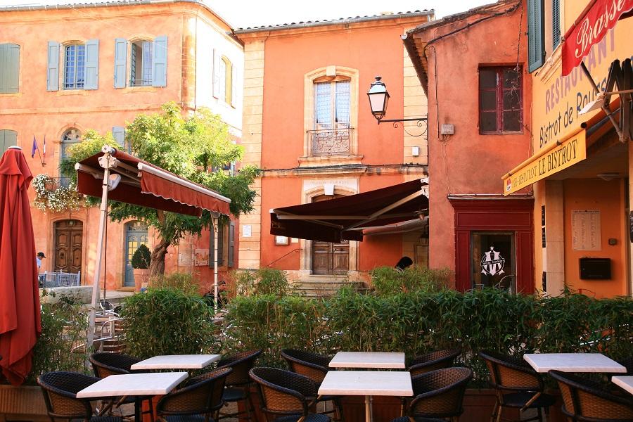 La place de la Mairie de Roussillon