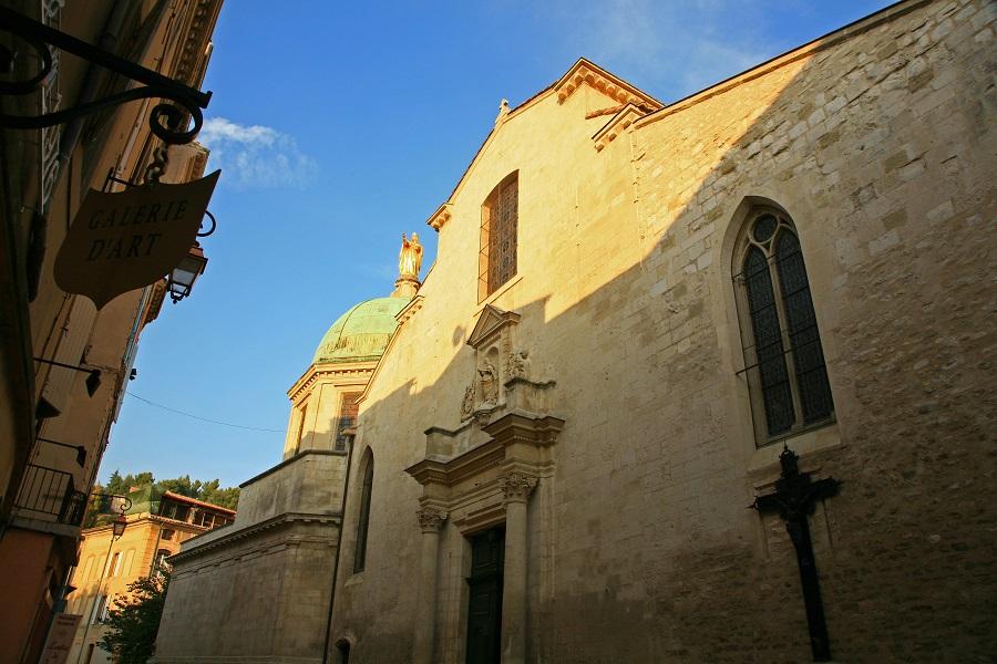 La basilique Sainte-Anne d'Apt