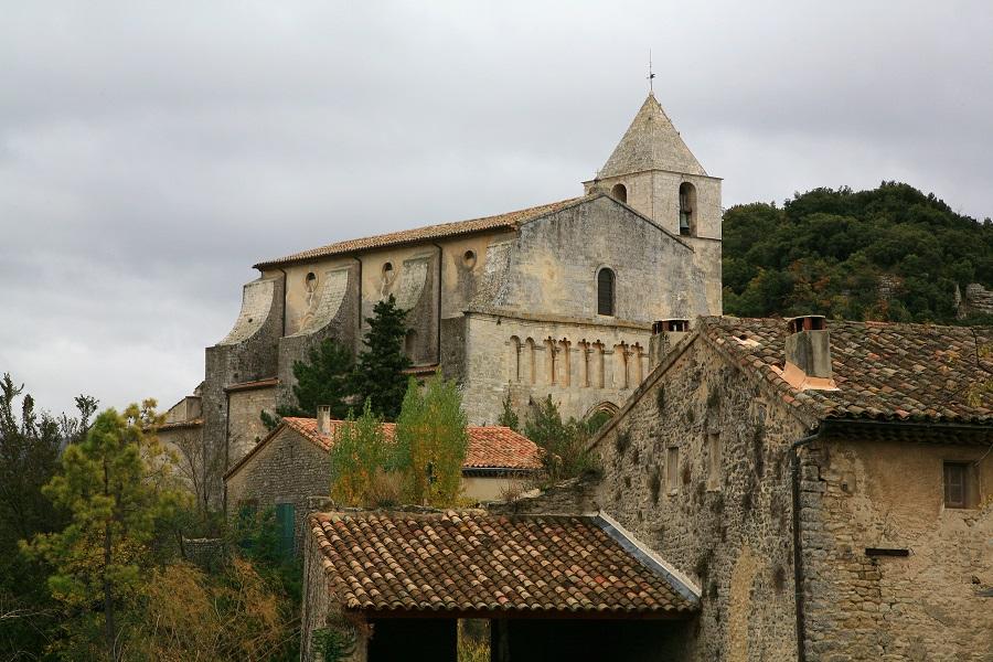 L'église romane de Saignon datée du XIIe siècle