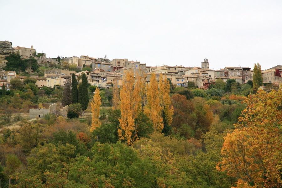 Saignon, village perché face au Mont Luberon