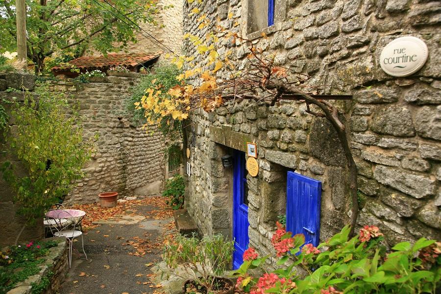 Les vieilles maisons cossues de Saignon